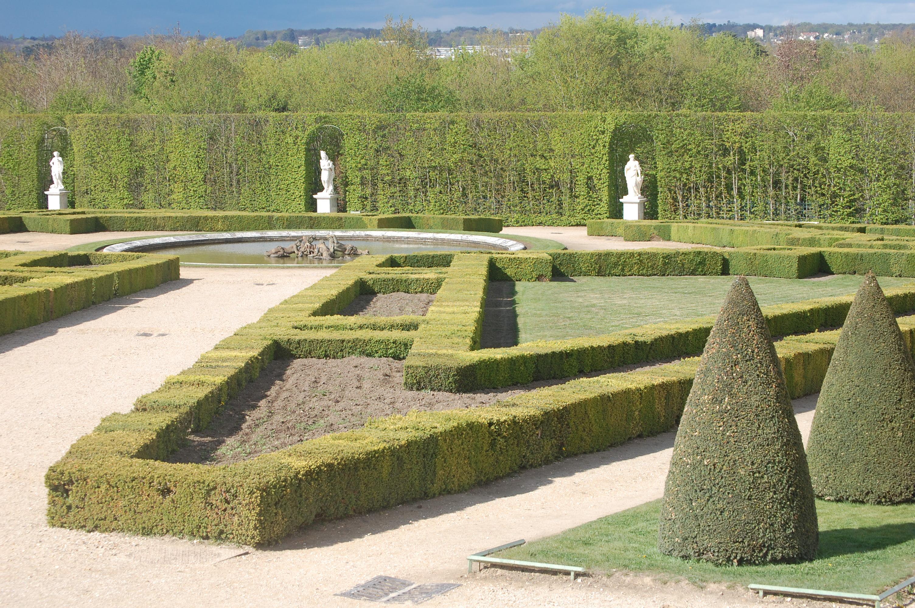 Of Versaille Formal Garden 3008 x 2000
