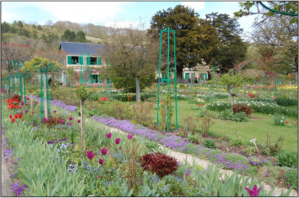 Giverny upper garden