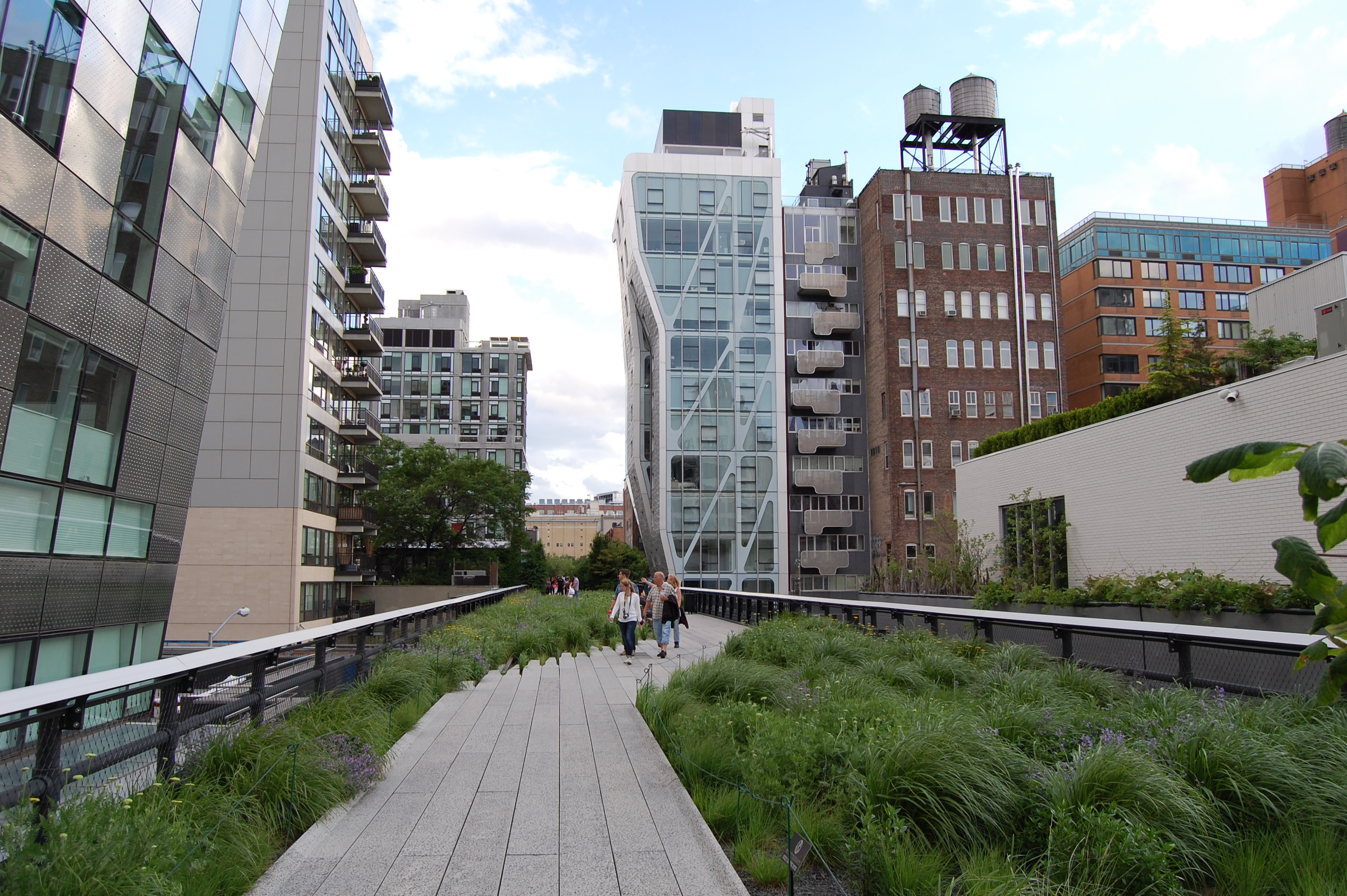 judy visits the high line in nyc gardeninacity. Black Bedroom Furniture Sets. Home Design Ideas