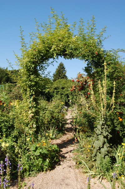 Giverny arch