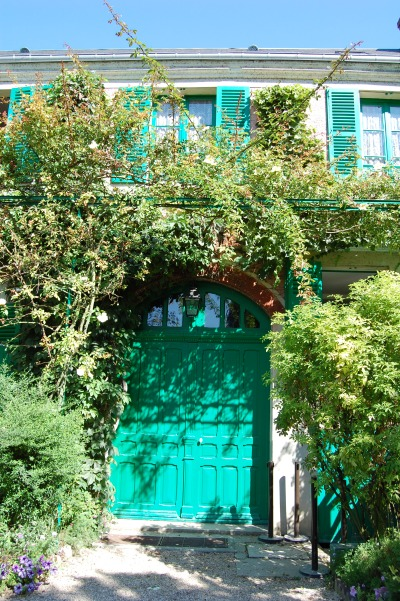 Monet's house, climging roses, Giverny