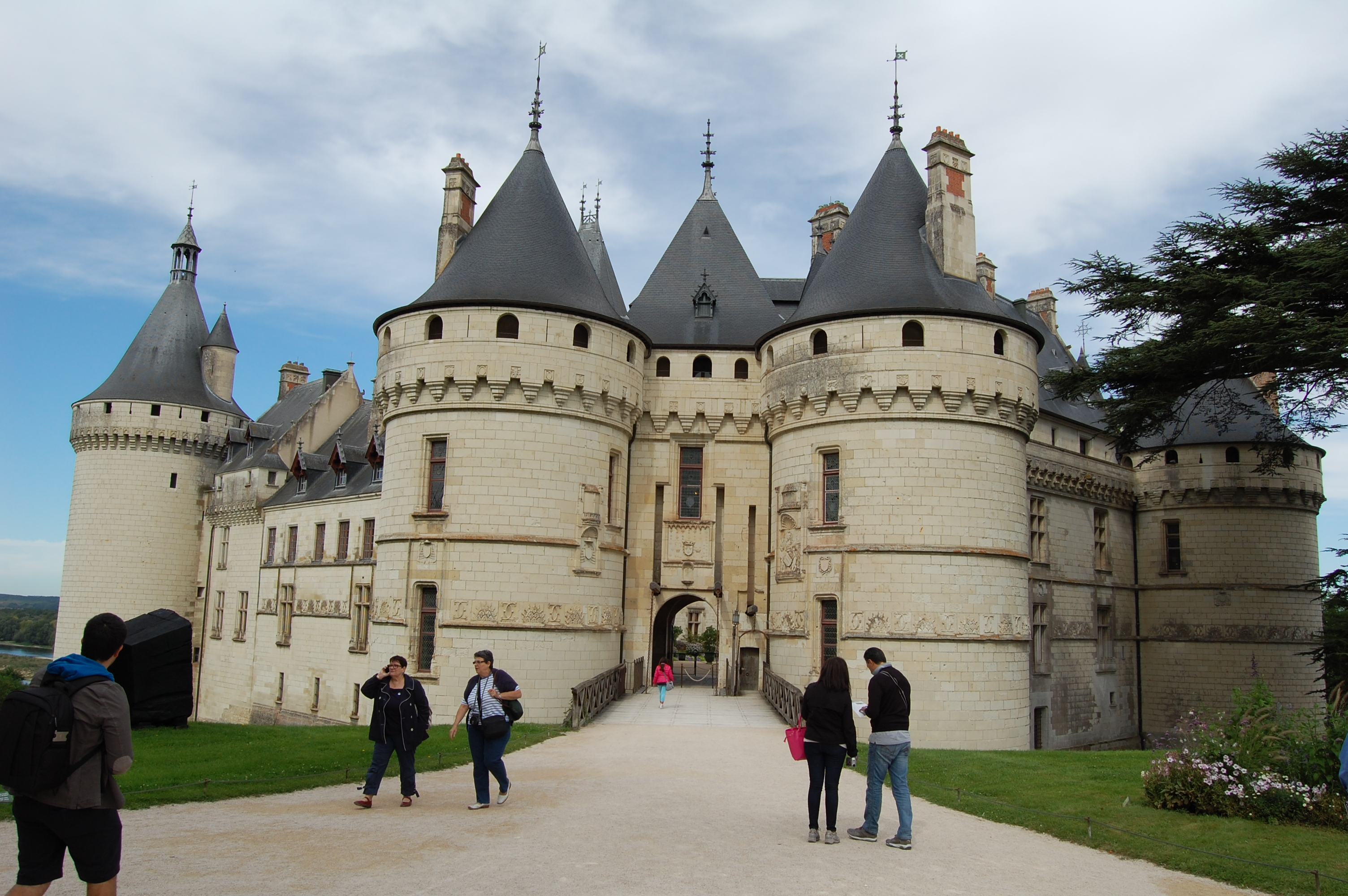 Préférence Ignoring 'No Entry' Signs at Chateau de Chaumont – gardeninacity KL64