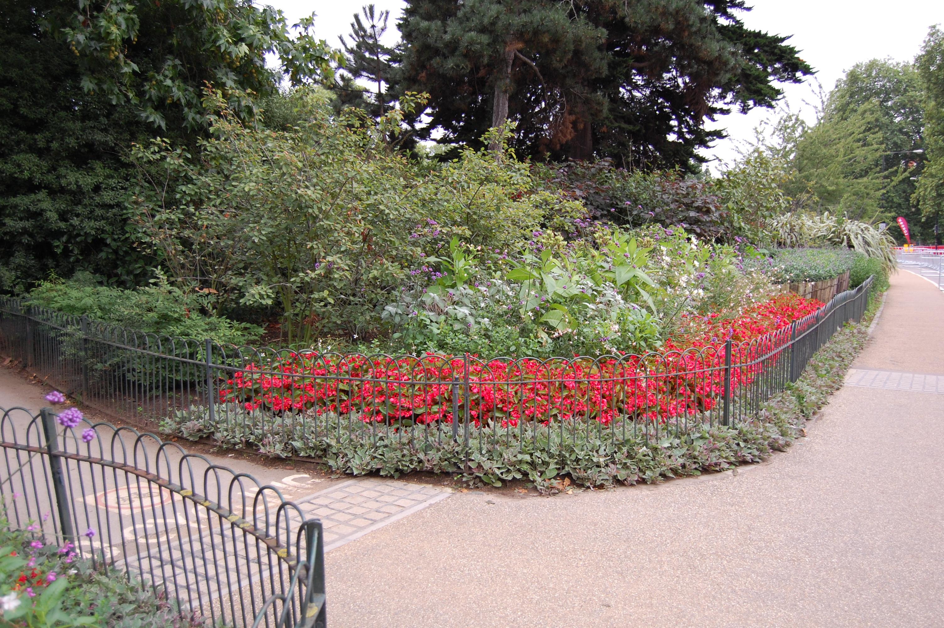 Garden Walk London: London's Kensington Garden Flower Walk
