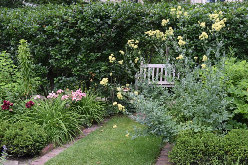 2014-07-06 12.51.45 shakespeare garden