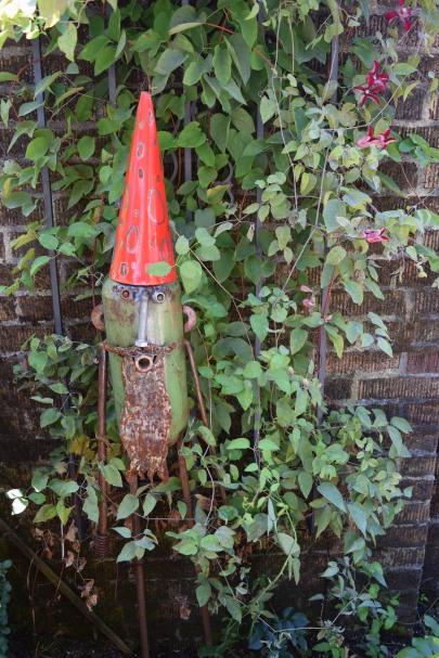 2014-07-12 16.56.14 garden gnome