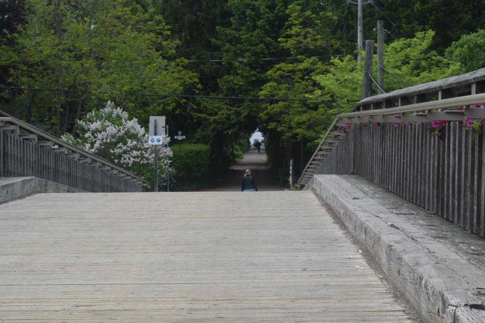 The bridge to Algonquin Island